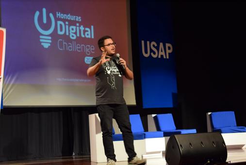 Conferencia Honduras Digital Challenge en USAP. Foto #1